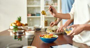 Si certaines personnes ont vu leurs pratiques alimentaires se dégrader pendant le confinement, faute de temps ou de moyens, d'autres les ont améliorées. Shutterstock